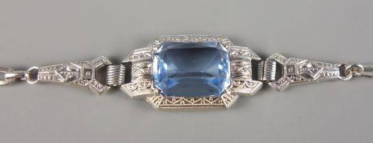 Armband mit aquamarinblauem Stein, 835er Silber, Jugendstil um 1920Gew.5,76g, facettierter S