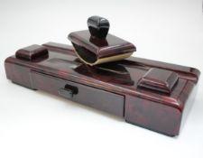 Art-Deco Schreibtisch Garnitur Holz mit gemaltem Bakelit Imitat wohl um 1930 37x14cm 2 Teile