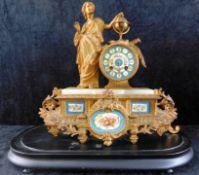 Figurenpendule, Frankreich um 1870, Urania, Göttin der Astronomie mit Weltkugel u. Buch.