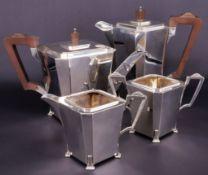 Kaffee- und Teeservice, Art Deco, Silber, Birmingham und Chester, 1933, 4-teilig: Kaffeekanne, Teeka
