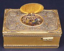 Spieldose mit Singvogel, sog. Singvogeldose, Triberg/Schwarzwald, um 1900, Messing, reich verzierte