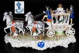 """Prunk-Kutsche """"Ausfahrt der Prinzessin"""". SITZENDORFER Porzellanmanufaktur/Thüringen, 2. Hälfte 20"""