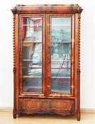 Vitrinen/Bücherschrank, um 1850.