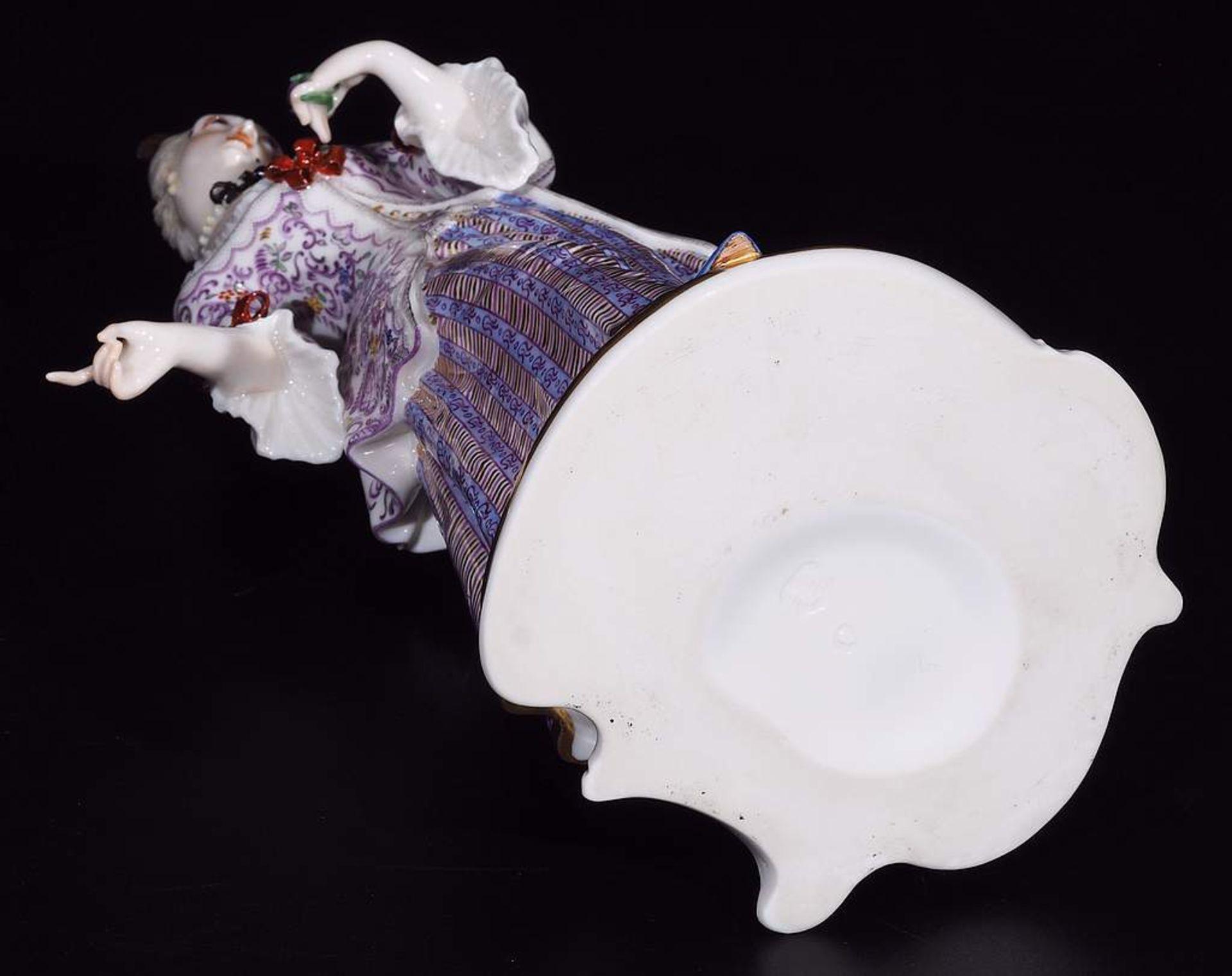 LUCINDA, Figurine der Commedia dell'Arte, NYMPHENBURG, Jahrhundert. - Image 7 of 8