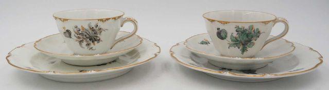 2 Kaffeegedecke Porzellan NYMPHENBURG, bemalt, z.T. goldstaffiert, versch. Dekoresowie