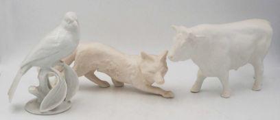 """3 Figuren Porzellan u.a. ROSENTHAL, GOEBEL """"Vögelchen"""", """"Schleichender Fuchs"""", """"Kuh""""z"""