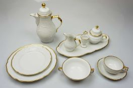 1 Kaffee-/Speiseservice ROSENTHAL weiß goldstaffiertmit Platten, Terrine, Eierbecher,