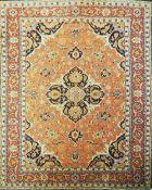 1 Orientteppich 20. Jh. orange-rot-grundig Mittelmedaillon/Eckzwickel blaugrundig, Ran