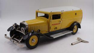 "1 Modell-Auto MÄRKLIN ""Gelbes Post-/Packetauto"", wohl aus dem Jahr 1990, Metall MÄRK"