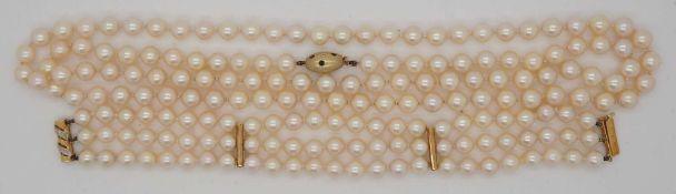 1 Perlenkette Verschluss GG 14ct. Rubine Saphire Brill. sowie 1 dreireihiges Perlarmba