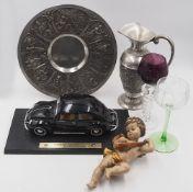 1 Konv. Zinn nztl. u.a. Apostelkrug, Kanne, Wandteller u.a. sowie Gläser z.T. farbig,