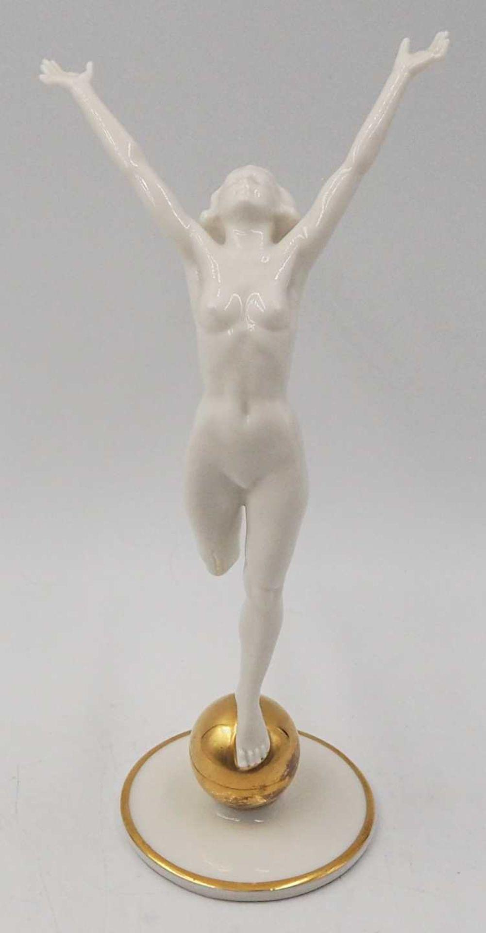 """1 Porzellanfigur HUTSCHENREUTHER, Selb, US-Zone """"Die Sonnenanbeterin/Frau auf Goldkugel"""" <br"""