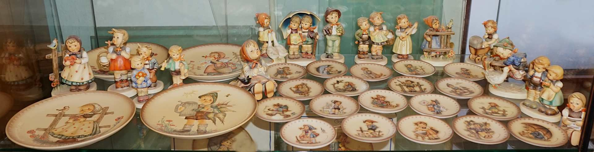 "1 Konv. Hummelfiguren GOEBEL nztl. Figuren ""Gretel"", ""Spitzbub"", ""Frühlingsidyll"", ""A - Bild 2 aus 3"