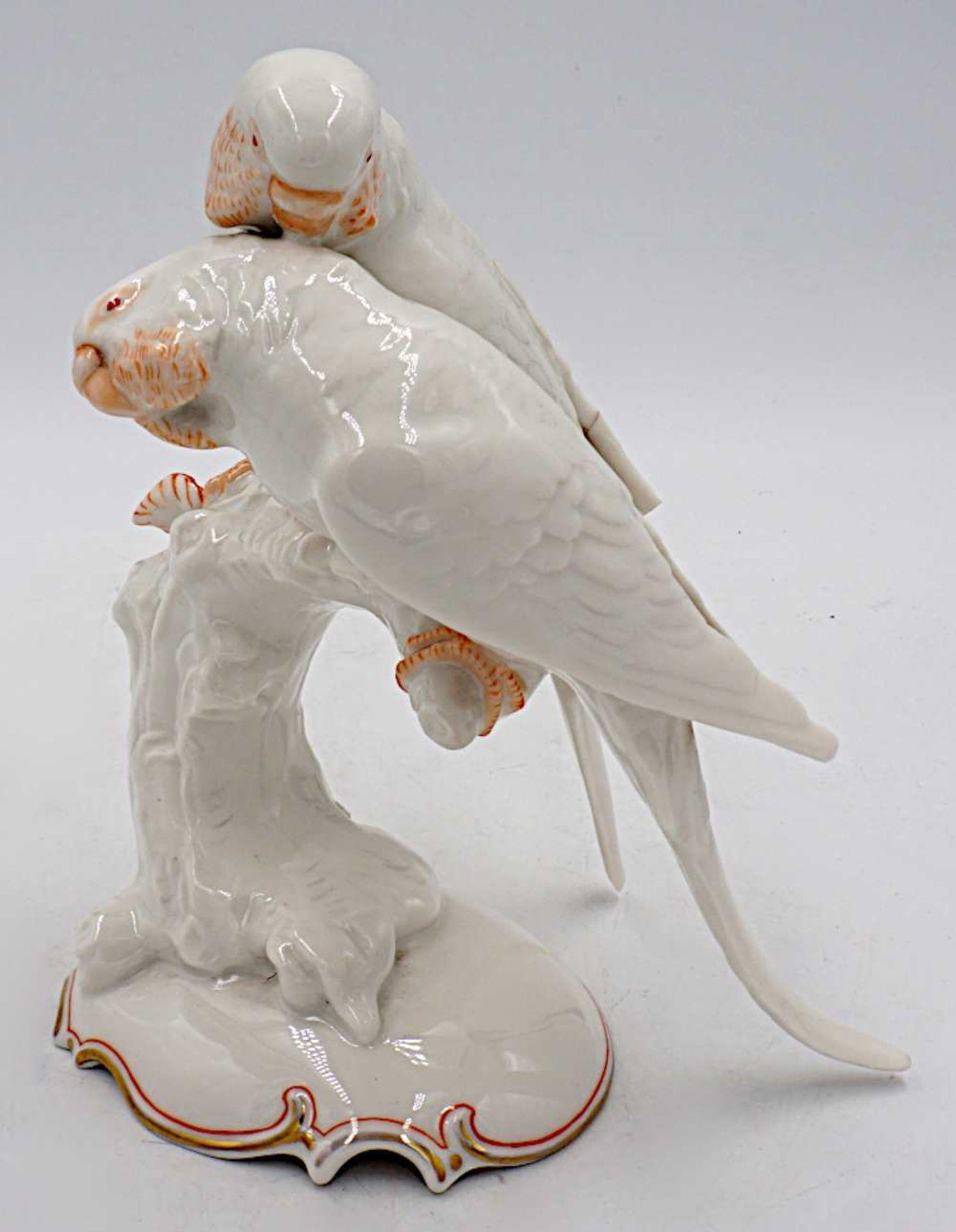 """1 Porzellanfigur HUTSCHENREUTHER, Selb """"Wellensittichpaar auf Ast"""" weiß z.T. orange g - Bild 7 aus 8"""