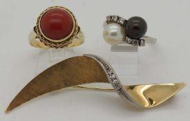 3 Teile Schmuck GG/WG 14ct. u.a. Koralle, Brillanten, Perlen