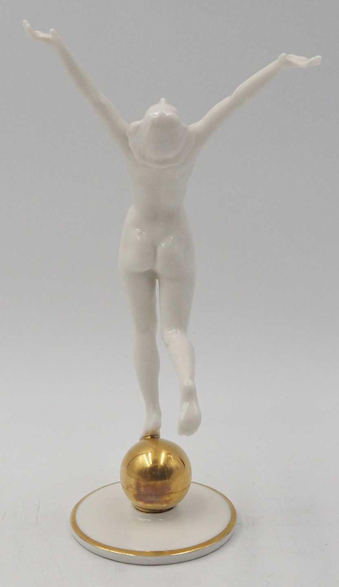 """1 Porzellanfigur HUTSCHENREUTHER, Selb, US-Zone """"Die Sonnenanbeterin/Frau auf Goldkugel"""" <br - Bild 3 aus 7"""