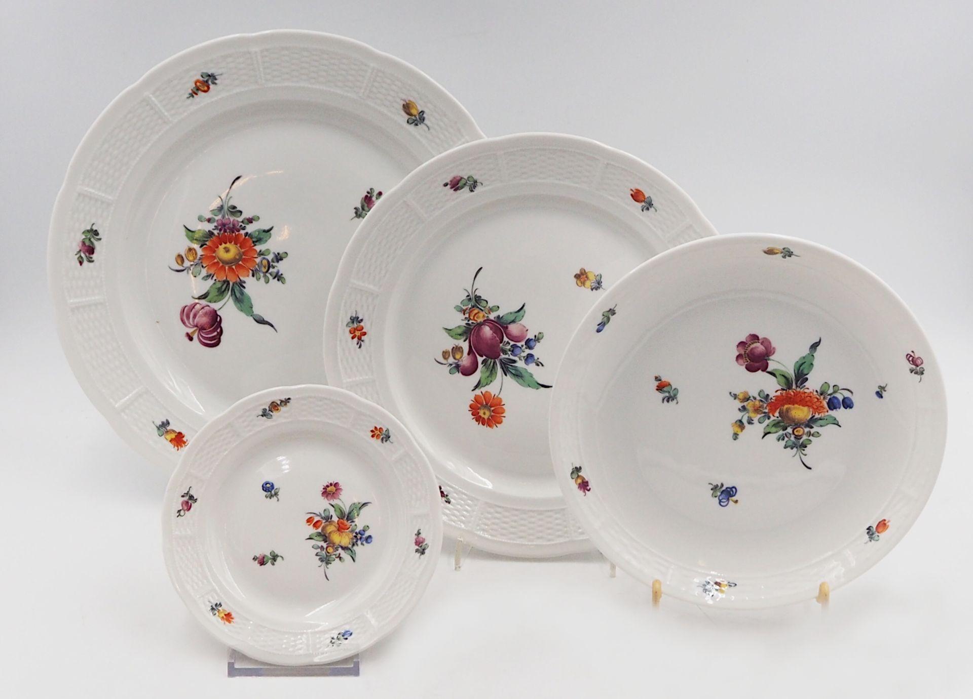 """1 Speiseservice NYMPHENBURG mit """"Herbstblumen""""-Motiv handschriftliche Modellnummer """"86 - Bild 2 aus 5"""