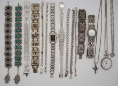 1 Konv. Schmuck/Uhren: Silber/Mode u.a. z.T. Markasite u.a., in der Schatulle