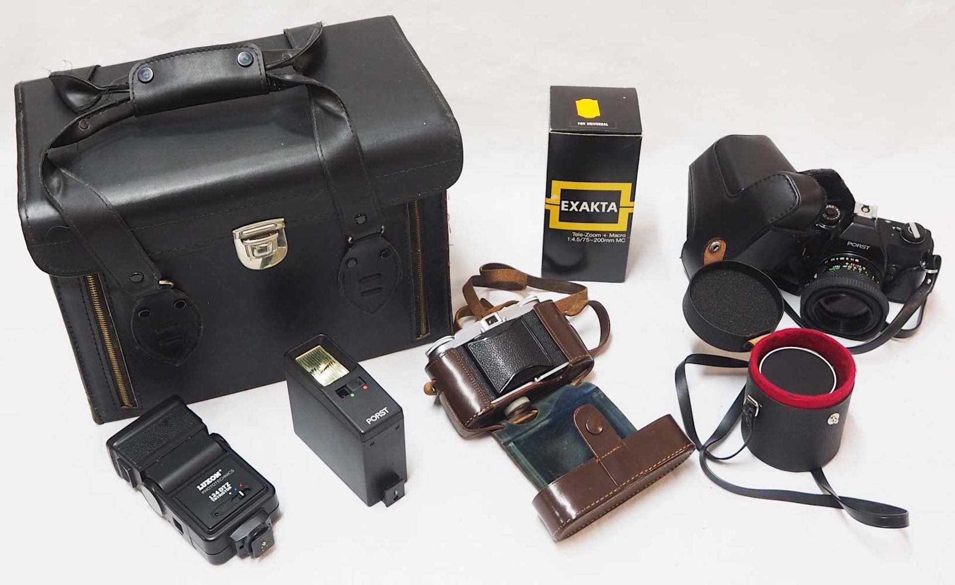 """2 Fotoapparate: VOIGTLÄNDER """"Vito II"""" sowie PORST """"Compact Reflex SP"""" mit Objektiven"""