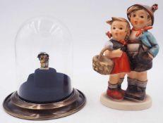 """1 Miniatur-Hummelfigur bez. GOEBEL USA 1983, 2. Auflage, Modellnummer 251-P, """"Junge und Mädchen"""