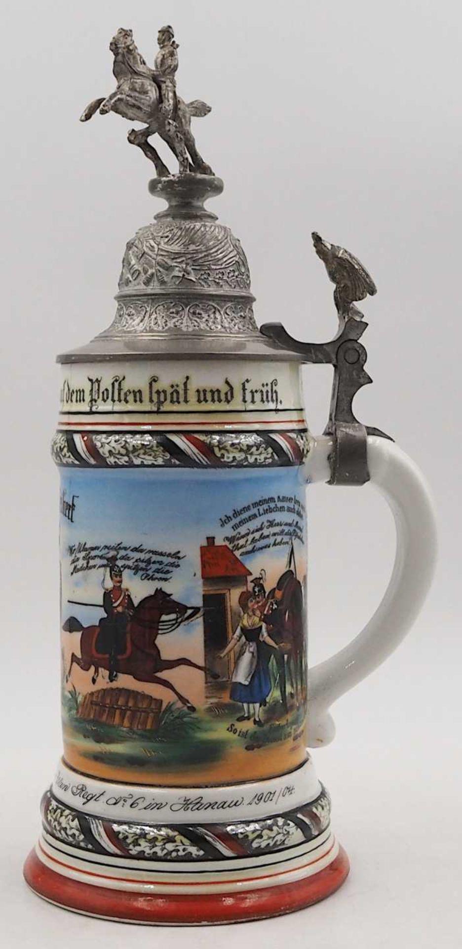 """1 Reservistenkrug Porzellan bezeichnet: """"1. Esk. Thür. Ulan. Regt. No. 6 in Hanau 1901/04"""" - Bild 3 aus 6"""