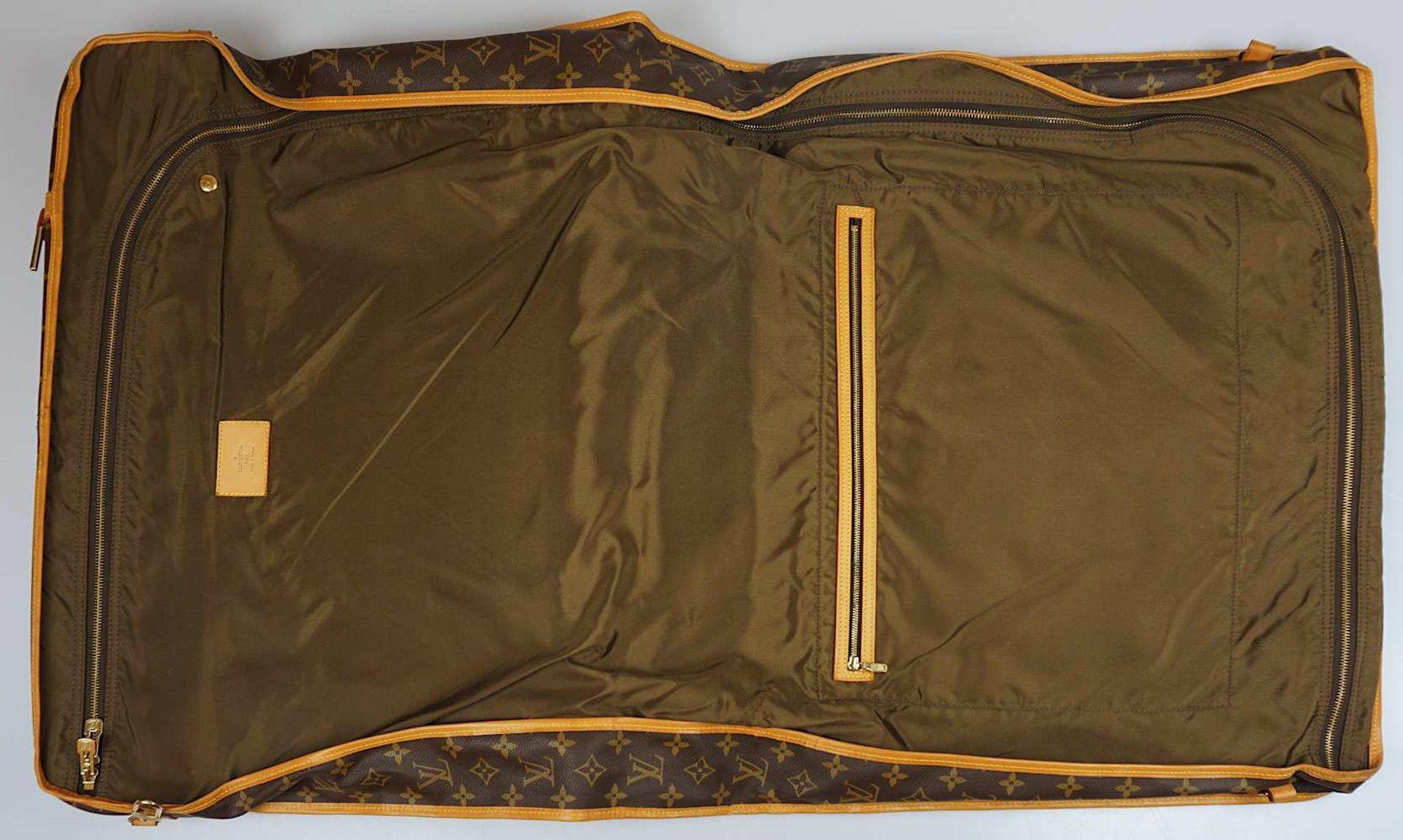 1 Kleidersack LOUIS VUITTON u.a. sichtbare Gsp. - Bild 4 aus 5
