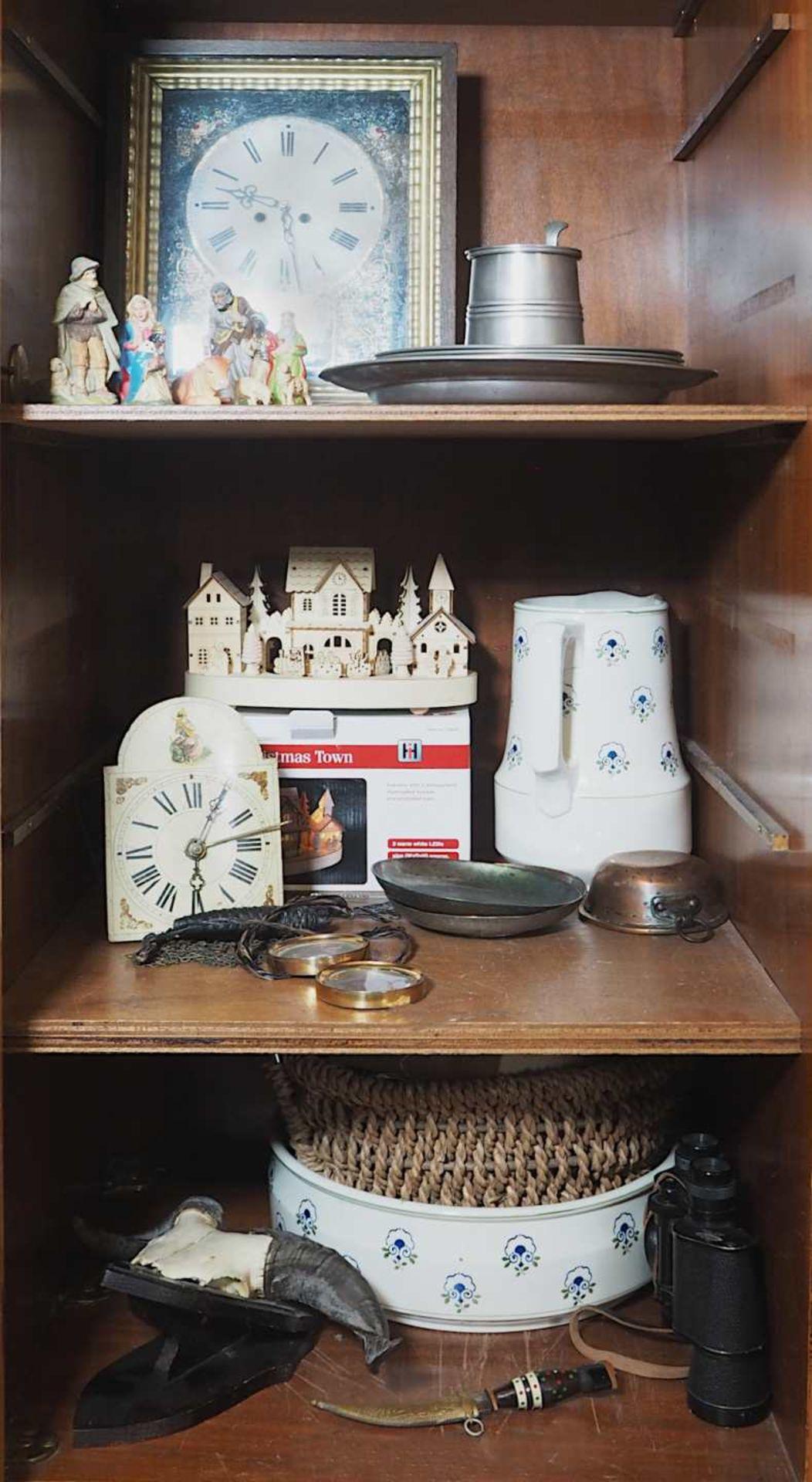 1 Konv.: 1 Rahmenuhr 20. Jh. mit Pendel und 2 Gewichten ca. 38,5x32,5cm; 1 Bauernuhr w - Bild 2 aus 2