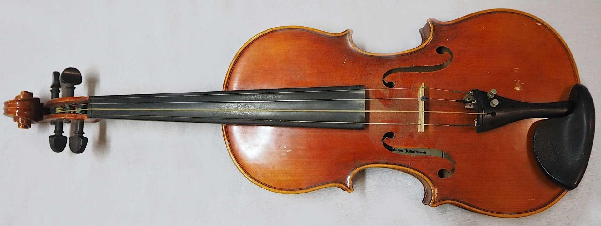 1 Geige 20.Jh. auf Klebezettel bezeichnet MAX SANDNER, Erlangen L ca. 61cm, min. Lacks - Bild 2 aus 3