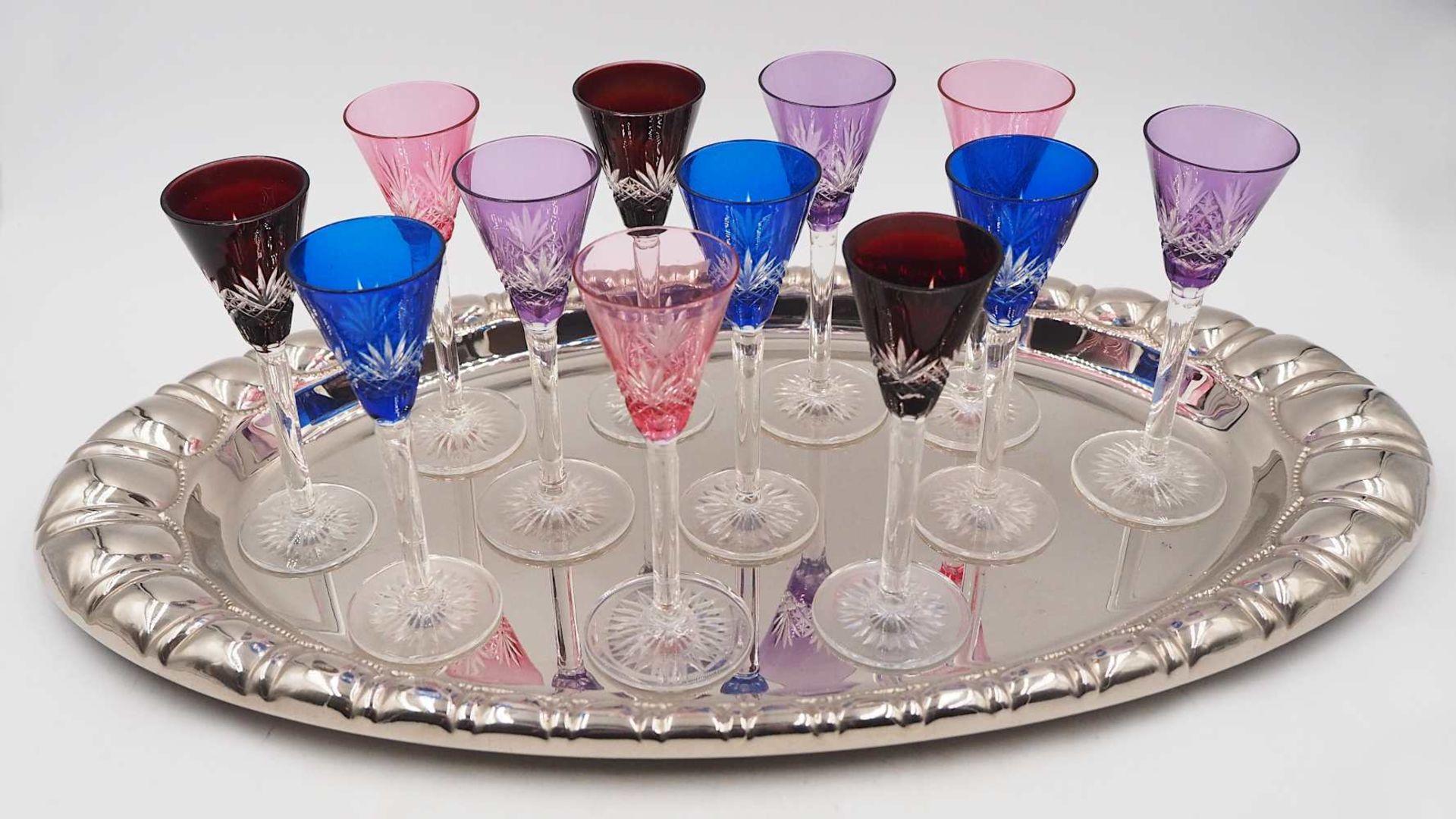 12 Likörgläser Kristall geschliffen, in verschiedenen Farben gefasst H je ca. 12cm s