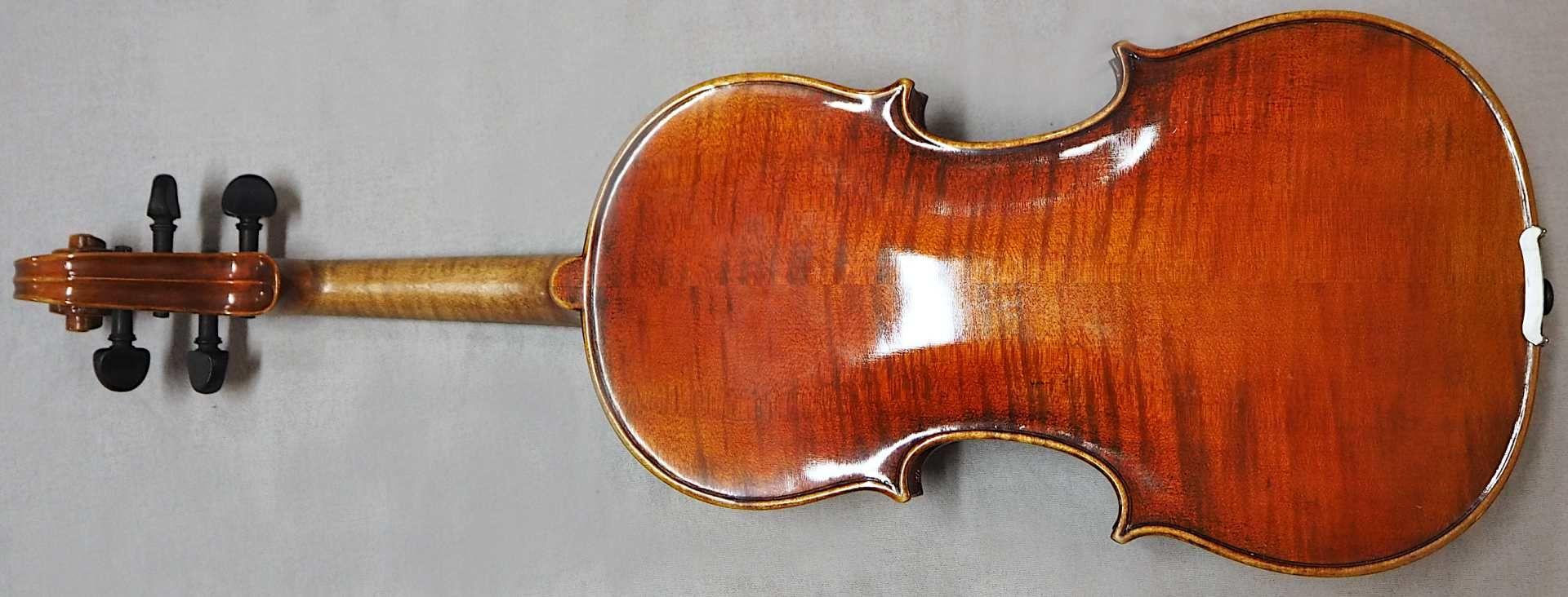 1 Geige 20.Jh. auf Klebezettel bezeichnet MAX SANDNER, Erlangen L ca. 61cm, min. Lacks - Bild 3 aus 3