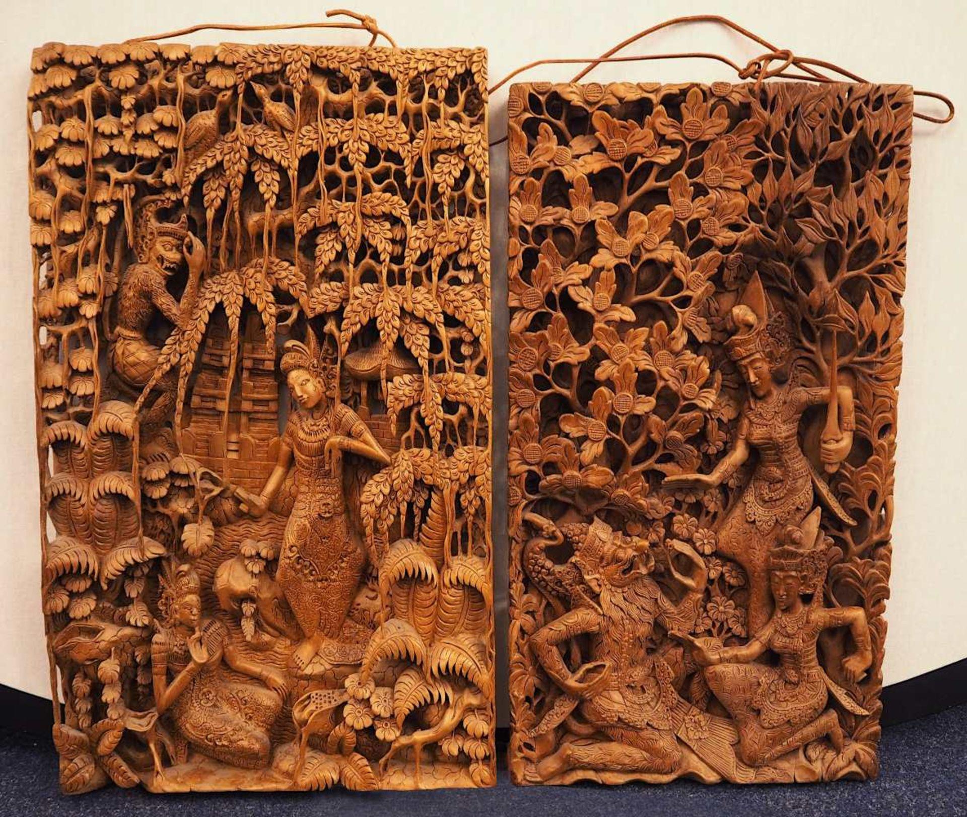 """2 Wandappliken """"Szenen aus dem Leben des Affenkönigs Hanuman"""" wohl Thailand 2. Hälfte 20. Jh.<"""