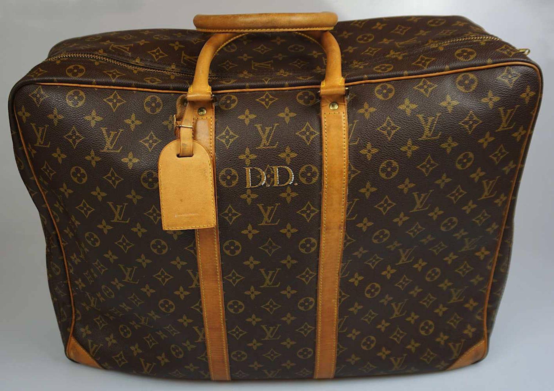 "1 Reisegepäckstück/Koffer LOUIS VUITTON ca. 41x54cm personalisiert ""D.D."" sichtbare Gsp. <"