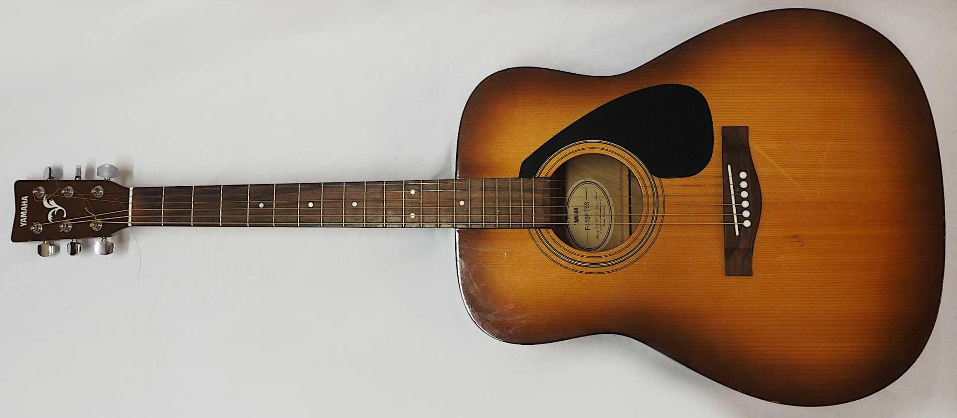 "1 Westerngitarre YAMAHA Modell: ""F-310P TBS, YMMJ Co. Ldt.,"" Indonesien Holzkorpus mit - Bild 2 aus 6"