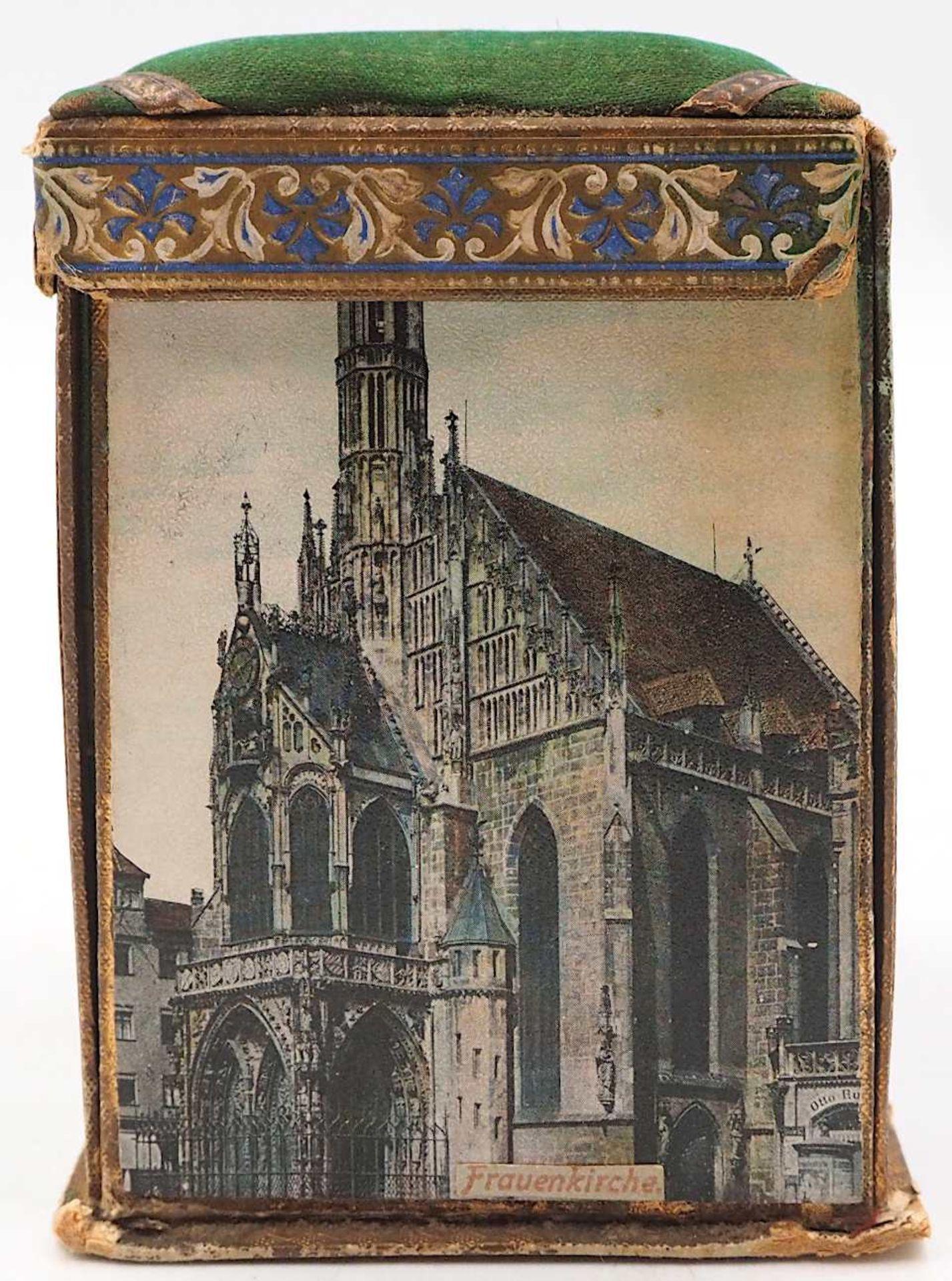 1 Reisenähset wohl um 1900 bedruckte Pappe/Stoff, aufklappbar, auf Wandung Nürnberge - Bild 3 aus 5