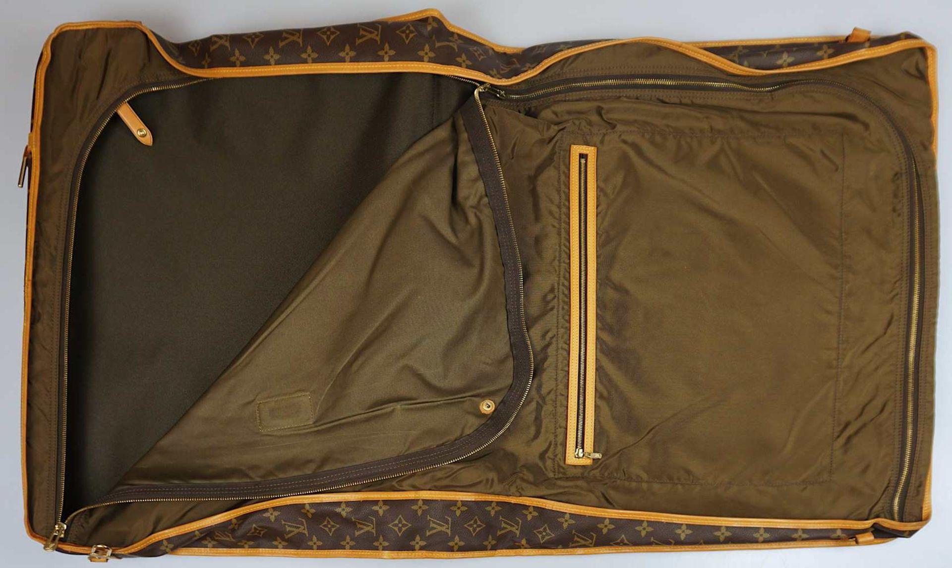 1 Kleidersack LOUIS VUITTON u.a. sichtbare Gsp. - Bild 5 aus 5