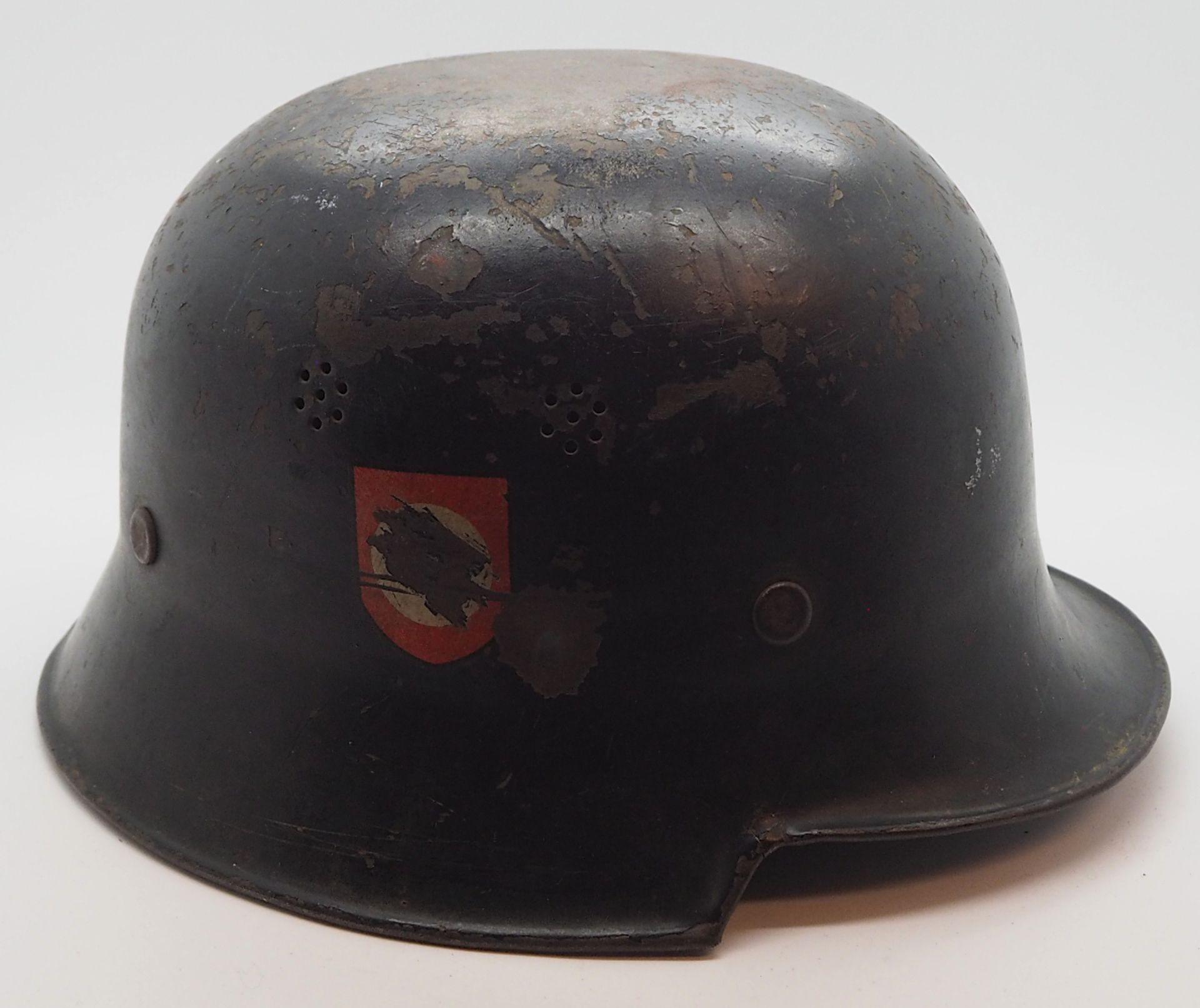 1 Konv. Militaria 3. Reich u.a., 1 Stahlhelm mit Lederinnenfutter, Wehrmacht, entnazifiziert - Bild 2 aus 8