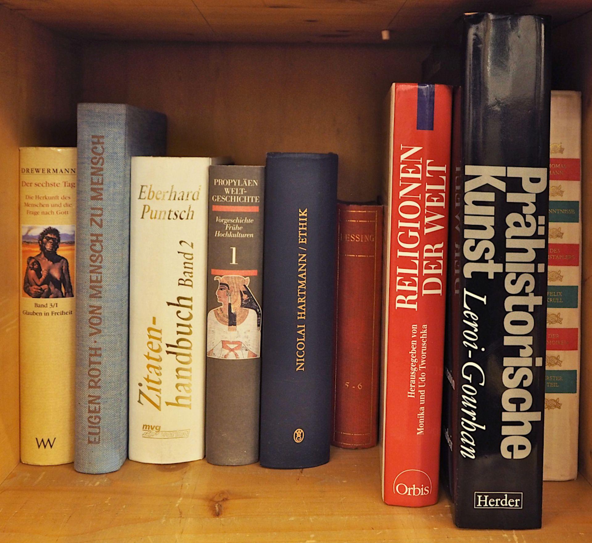 1 Bibliothek bestehend aus ca. 1000 Büchern nztl. Bildbände, Religion und Theologie,