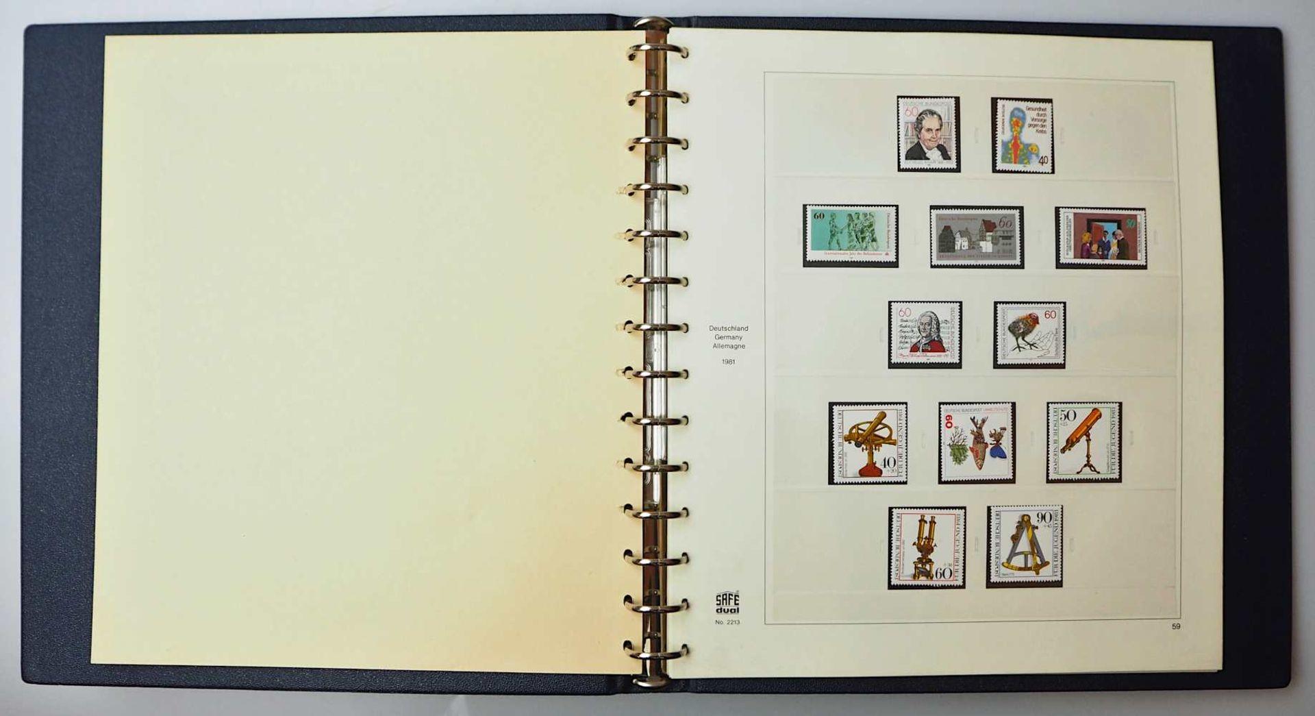 1 Konv. Briefmarken in 3 Alben, 2. Hälfte 20. Jh.: BRD, Alle Welt, z.T. Sondermarken - Bild 3 aus 4