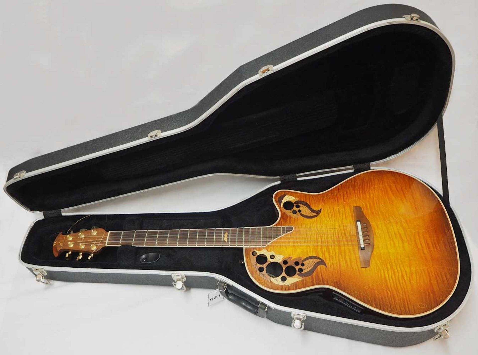"""1 Akustikgitarre OVATION """"Nr. 493 Collector's Series'98, New Hartford, CT./USA"""" Holz m"""