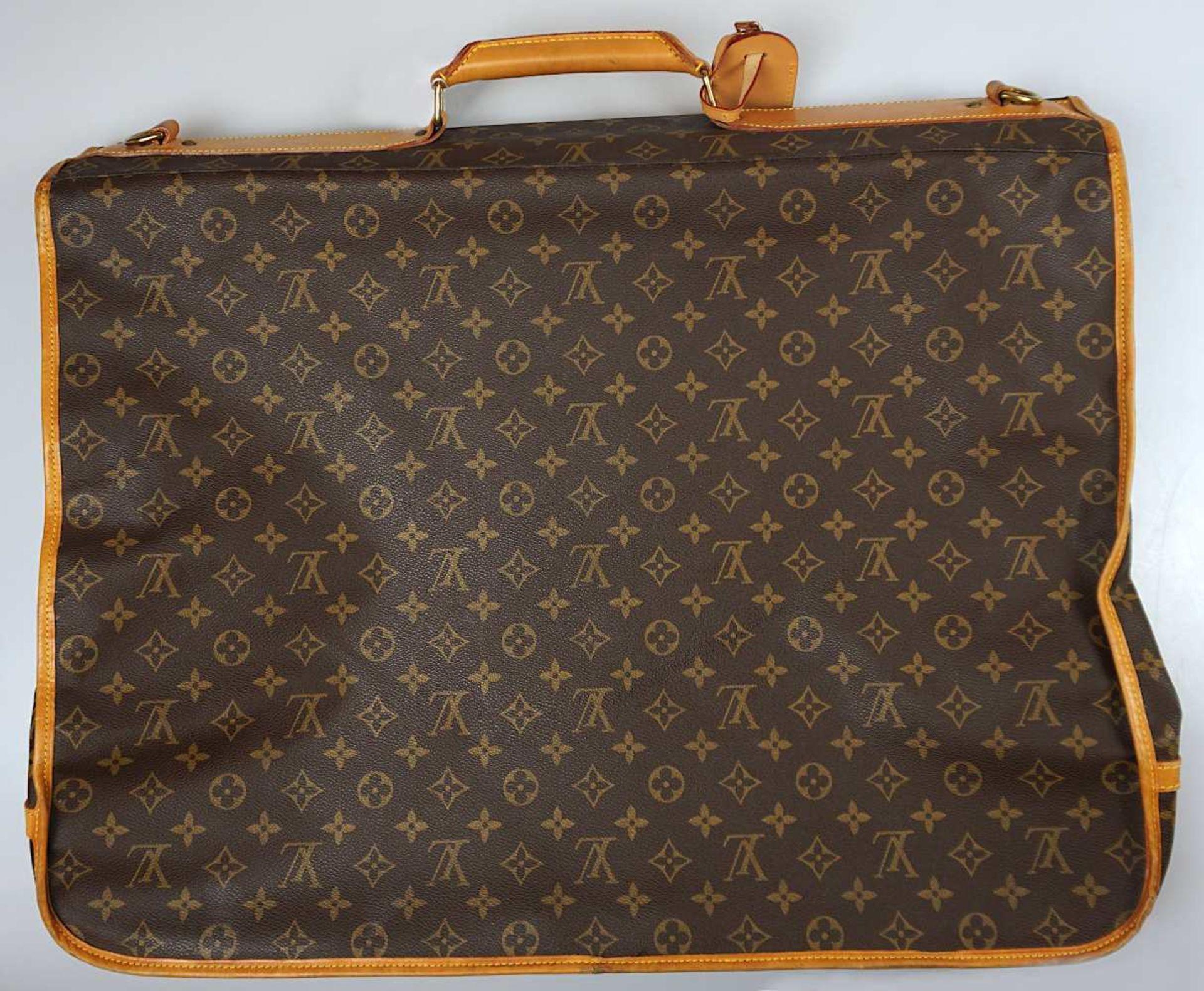 1 Kleidersack LOUIS VUITTON u.a. sichtbare Gsp.