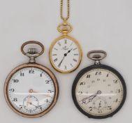 1 Taschenuhr Silber 800, um 1900 sowie 2 Taschenuhren Metall, z.T. vergoldet, z.T. um