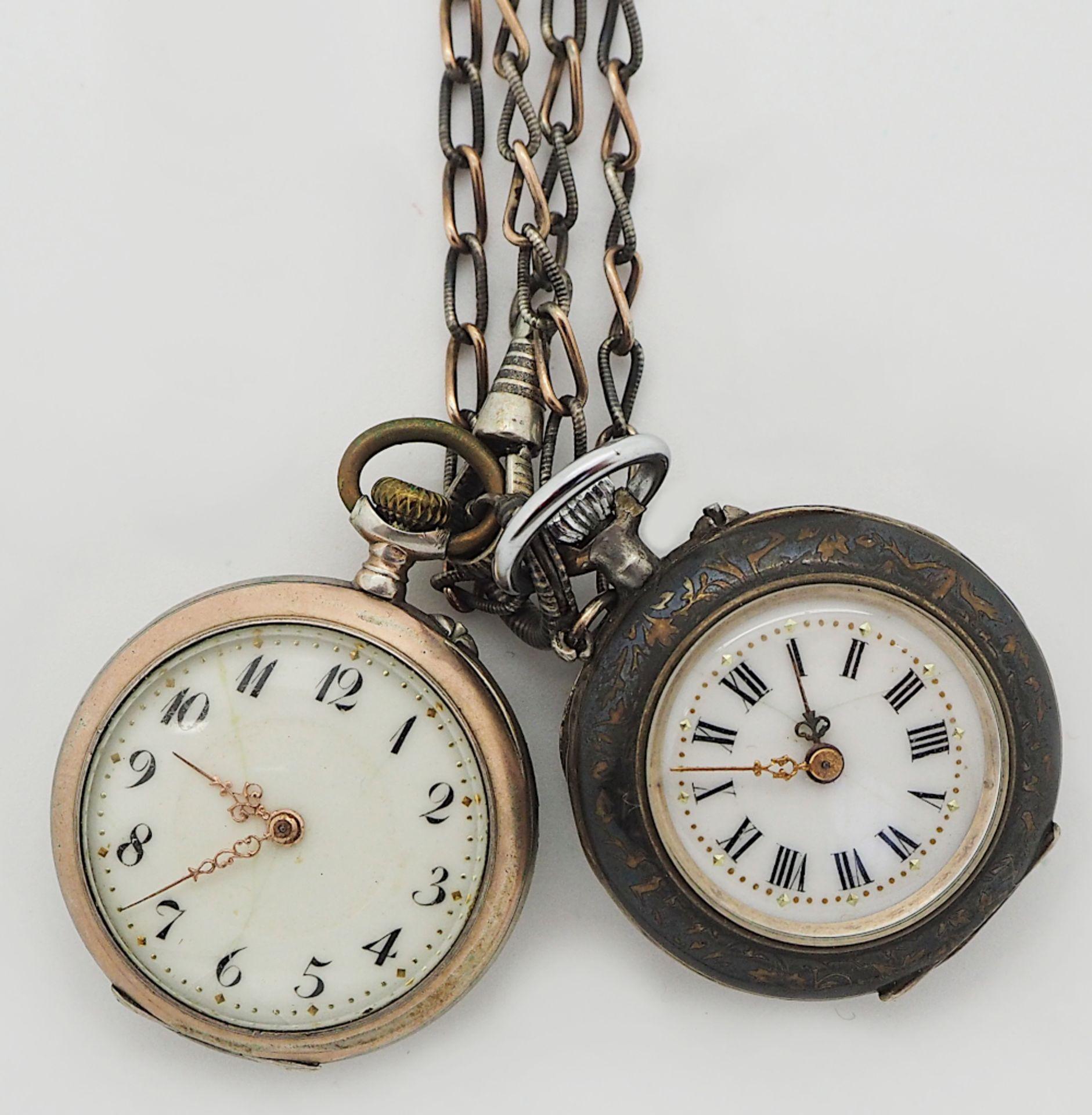2 Damentaschenuhren um 1900, je Silber 800 1 Kette Silber 800, je besch.