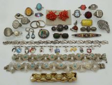 1 Konv. Schmuck Si. Mode u.a. Koralle Mosaikarbeit u.a. z.T. Markasiten u.a. in der Box <br