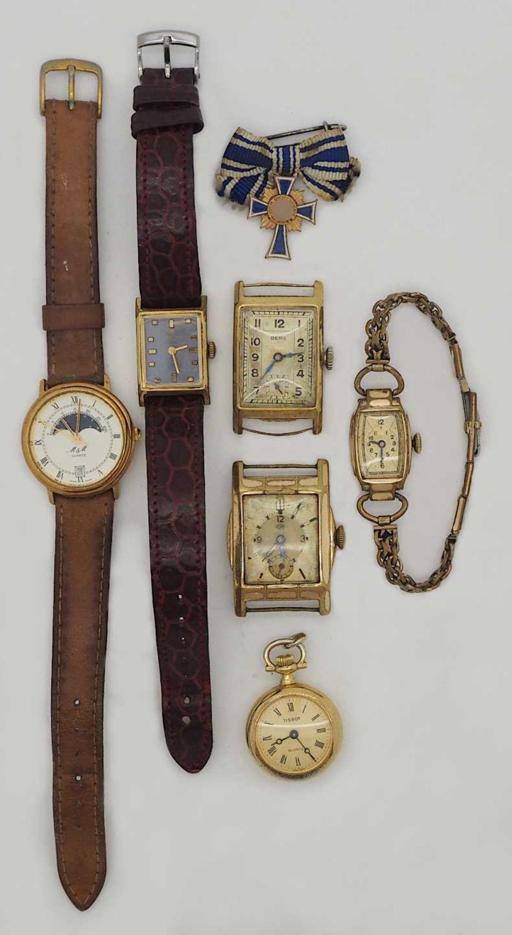 1 Konv. Armbanduhren/ Gehäuse (1x GG 14ct.) sowie 1 Brosche Mutterkreuz II.WK (s. §§ 86/86a S