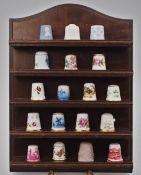 1 Konv. Fingerhüte Porzellan versch. Motive und Marken u.a.: