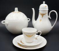 "1 Kaffeeservice Porzellan ROSENTHAL ""Romanze in Gold"", Design: Björn WIINBLAD,"