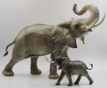 "1 Porzellanfigur GOEBEL ""Afrikanischer Elefant"" wohl 2. Hälfte 20. Jh."