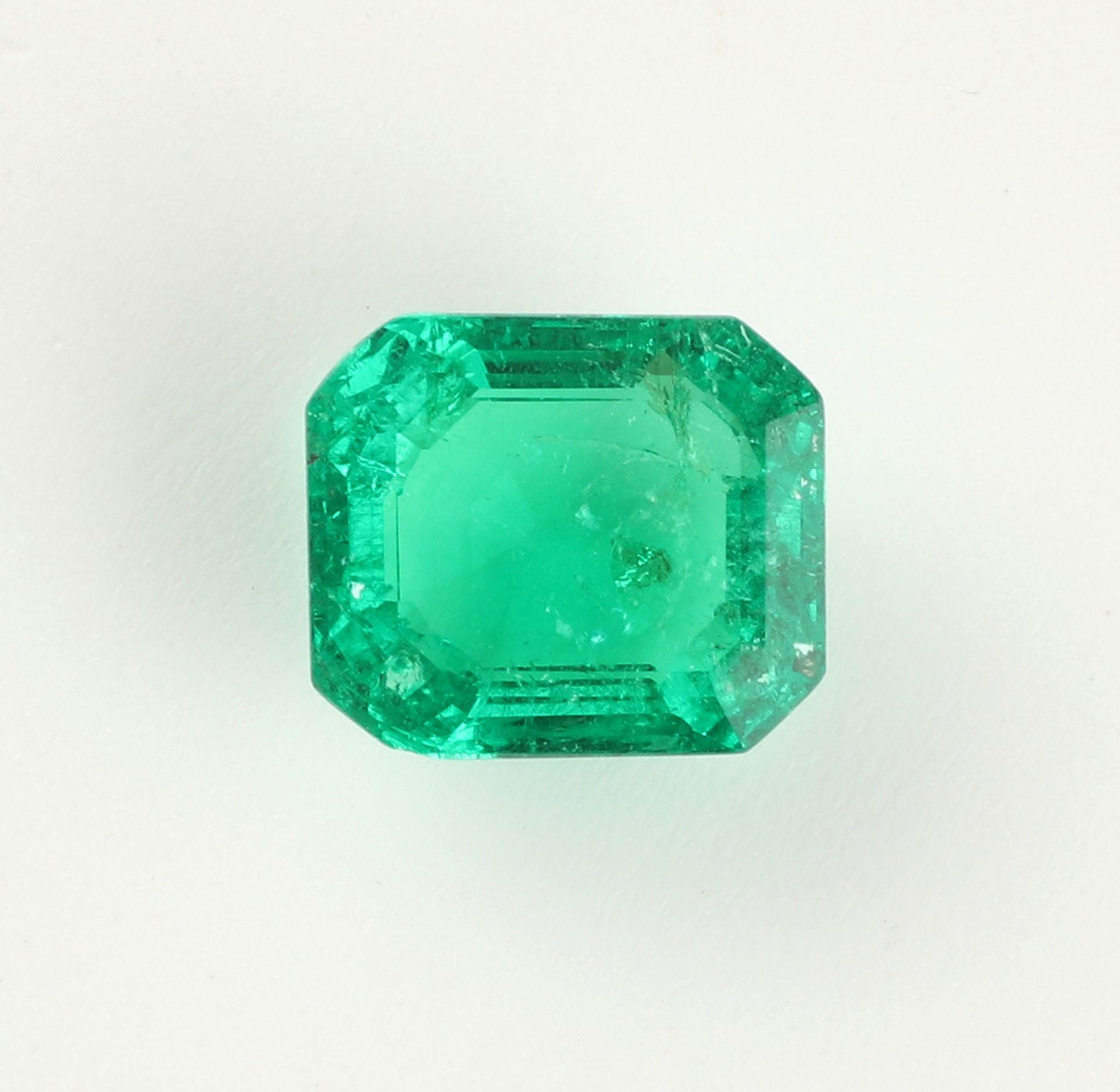 Ungefasster Smaragd im