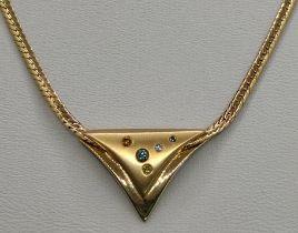 Kette, flach, mittig Dreieckselement mit kleinen Schmucksteinen, 585/14K Gelbgold, 8g, Länge