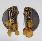 Paar Ohrhänger halbkreisförmig